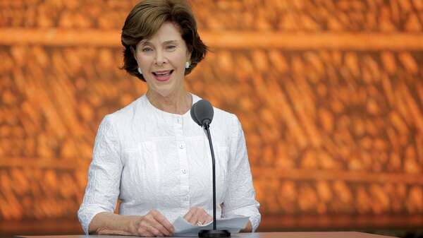 Die frühere First Lady der USA, Laura Bush. Foto: Reuters/Joshua Roberts/File Photo