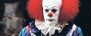 "Tim Curry als Terror-Clown Pennywise in der Stephen-King-Verfilmung ""Es"". Foto: imago/United Archives"