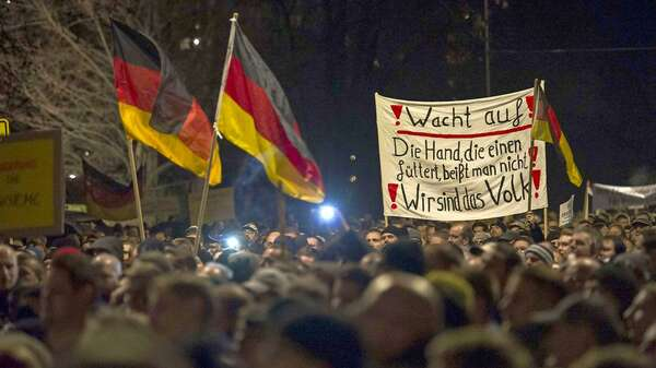 """Pegida""-Demonstration in Dresden Foto: Jens Schlueter/AFP"